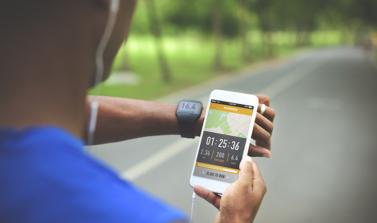 Activité physique virtuelle : les meilleurs outils et applications pour mobiliser les équipes